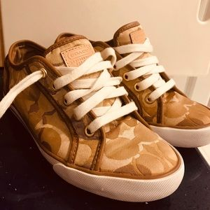 Coach signature sneakers size 6